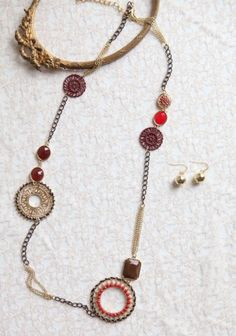 Love! This is so versatile, you could wear it with anything!