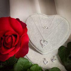 ❤️❤️❤️❤️ #love #beloved #valentinstag #valentines #herz #herzelieb Valentines, Brooch, Woman, Jewelry, Fashion, Handmade Jewellery, Gems Jewelry, Fossils, Minerals
