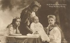Romania Royalty A L R Printesele Maria Ileana Printii Nicolae si Mircea Queen Mary, King Queen, Queen Victoria Descendants, Romanian Royal Family, Queen Victoria Children, Peles Castle, Old King, Royal King, World War One
