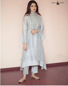 Best 11 Order contact my whatsapp number 7874133176 – SkillOfKing. Pakistani Dress Design, Pakistani Fashion Casual, Pakistani Outfits, Indian Outfits, Indian Fashion, Kurta Designs Women, Salwar Designs, Blouse Designs, Stylish Dresses
