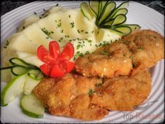 Panierte, in Saure Sahne marinierte Hähnchenschnitzel | Top-Rezepte.de No Salt Recipes, Cooking Recipes, Hungarian Recipes, Poultry, Food And Drink, Appetizers, Low Carb, Yummy Food, Chicken