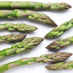 The spring veggie boasts a long list of health benefits. : The spring veggie boasts a long list of health benefits. Going Vegetarian, Vegetarian Cooking, Vegetarian Recipes, Vegetable Recipes, Vegetarian Diets, Vegetarian Italian, Healthy Cooking, Health Benefits Of Asparagus, Ways To Cook Asparagus