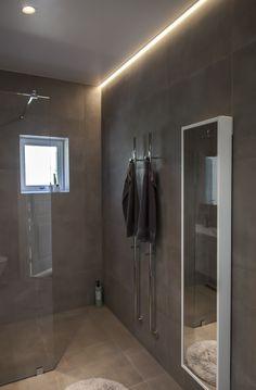 Bathroom Spa, Spotlights, Bathroom Inspiration, Sweet Home, Bathtub, House, Design, Lighting, Home Decor