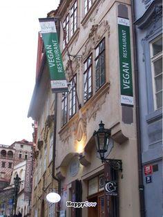 loVeg, vegan restaurant in Prague, Czech Republic!