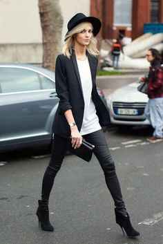What you need to know about making leggings look stylish and grown-up (and NOT like you're going to the gym)