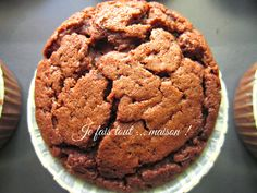 Muffins au chocolat super moelleux Chocolat Cake, Desserts With Biscuits, Arabian Food, Bagel Recipe, Muffin Bread, Chocolate Muffins, I Foods, Food And Drink, Sweets