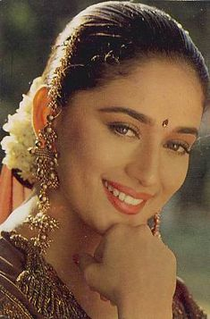 Hum Aapke Hain Koun, Madhuri Dixit Hot, Indian Aesthetic, Vintage Bollywood, Most Beautiful Indian Actress, Brown Girl, Timeless Beauty, Indian Fashion, Womens Fashion