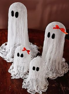 Stop buying overpriced halloween decorations and make your own for less. These halloween decor DIY ideas are cheap and easy to make. There are over a hundred spooktacular ideas to choose from. Here are some basic crafting supplies that you may need for these halloween decor DIY ideas: hot glue gun & glue sticks craft …