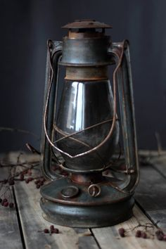 Old Kerosene Lanterns | Old kerosene lantern by vintageitscool on Etsy