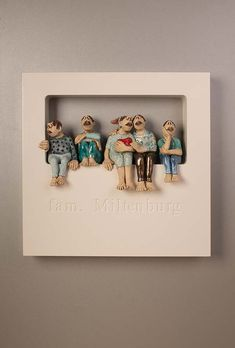 Out of the Box-Wallpiece met ingefreesde naam-My F. Out of the Box-Wallpiece met ingefreesde naam-My Family-Ans Vink Keramiek Paper Mache Sculpture, Sculptures Céramiques, Pottery Sculpture, Sculpture Art, Ceramic Wall Art, Ceramic Pottery, Pottery Art, Paper Clay, Clay Art
