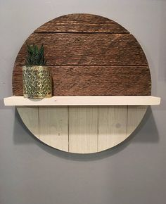 Barnwood Round with a Shelf Wall Decor Design, Metal Wall Decor, Diy Wall Art, Diy Wall Decor, Diy Home Decor, Wall Décor, Ladder Shelf Diy, Round Shelf, Scrap Wood Projects