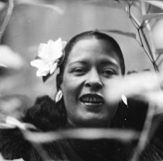 Billie Holiday | Bethlehem Records - Insider Interviews Billie Holiday, Jazz Blues, Blues Music, Lady Sings The Blues, Classic Jazz, Bless The Child, Old School Music, Chuck Berry, Miles Davis