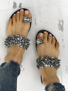 Silver Round Toe Flat Sequin Rhinestone Fashion Sandals Source by yvonneeckweiler de mujer sandalias Cute Shoes, Women's Shoes, Me Too Shoes, Shoe Boots, Teen Shoes, Fall Shoes, Winter Shoes, Dance Shoes, Shoes Sneakers
