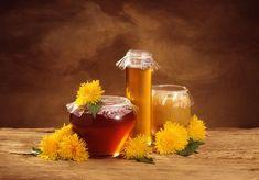 Správně by měl být nazýván jako sirup, jelikož se nejedná o včelí produkt Alcoholic Drinks, Beverages, Syrup, Liquor Drinks, Alcoholic Beverages, Liquor