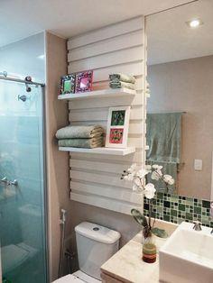 prateleiras de banheiro
