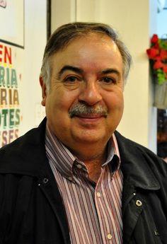 Manuel Peña Muñoz, escritor chileno.