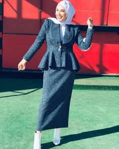 Modest Fashion Hijab, Modern Hijab Fashion, Muslim Women Fashion, Hijab Fashion Inspiration, Fashion Dresses, Mode Abaya, Mode Hijab, Merida, Winter Fashion Outfits