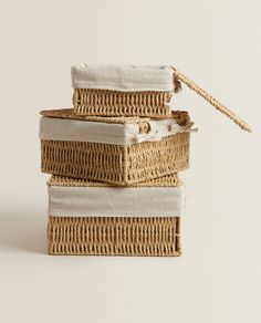 BASKET WITH FABRIC LINING Zara Home Canada, Uni Room, H&m Home, Metal Structure, Fabric Squares, Store Design, Decorative Boxes, United Kingdom, Bathroom