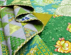 Red Pepper Quilts: The Green HST Quilt - finished