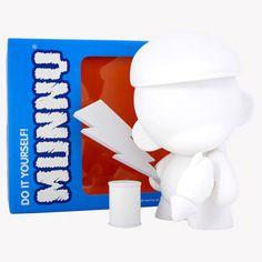MUNNYWORLD MUNNY Series 4 7-Inch White Edition | Kidrobot