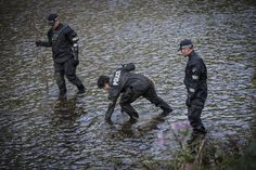 Tuesday 2 September 2020 saw, part of a crackdown on serious crime, officers from GMP's Salford District worked in collaboration with GMP's Special Operations Branch, Drone Unit, Joint Underwater Search and Marine Unit team and Special Constabulary to sweep the area. www.gmp.police.uk Violent Crime, Salford, Emergency Response, Underwater, Collaboration, Tuesday, Police, September, Things To Come