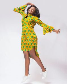 100 Ankara Short Gown Styles Designs 2019 (Updated Weekly) Short ankara gown style designs for 2019 African Shirt Dress, African Fashion Ankara, Latest African Fashion Dresses, African Dresses For Women, African Print Dresses, African Print Fashion, Africa Fashion, African Attire, African Women