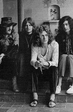 Led Zeppelin -- John Paul Jones, Robert Plant, and Jimmy Page Rock And Roll, Pop Rock, Beatles, Rock Y Metal, Robert Plant Led Zeppelin, Led Zeppelin Art, John Paul Jones, John Bonham, Hippie Man