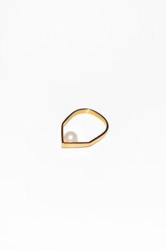 VIBE HARSLØF, Pearl Ring | Mr. Larkin