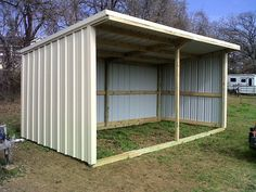 Metal Shed Roof, Wood Shed, Metal Siding, Lean To Shed Plans, Run In Shed, Backyard Sheds, Outdoor Sheds, Horse Shed, Le Hangar