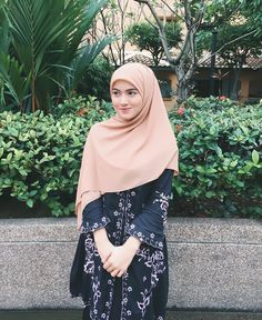 berhijrah #berhijrah   hijab fashion #hijabfashion Beautiful Muslim Women, Beautiful Hijab, Niqab Fashion, Fashion Outfits, Muslim Women Fashion, Womens Fashion, Muslim Girls, Muslim Couples, Hijab Style Dress