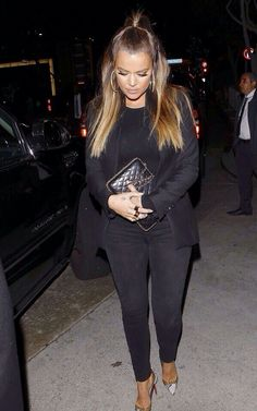 201312-10 Khloe Kardashian with Chanel Pre Fall 2012 Chain Around Clutch Bag and Christian Louboutin Bis Un Bout Pumps.