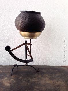 """Overweight"" Tsubo pot by Yukiharu Kumagai.  「メタボ」 熊谷幸治さんの壺。 #ceramics #pottery #japanese_pottery #gallery #Tokyo"