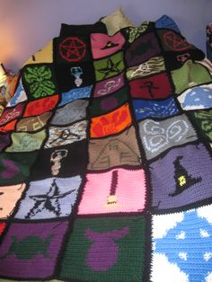 Pagan Afghan is FINISHED! HappyHooker's Blog   ~ magnificent, lot of work and very lovely, I'm envious!