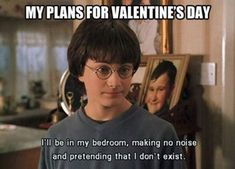 A lot of Funny Single Memes that will make you laugh as you cry. Your boyfriend or girlfriend leaves you but at least we can give you some smile with these memes. Funny Single Memes, Funny Memes, Hilarious, Funny Valentine Memes, Funny Relationship Status, Harry Potter Jokes, Hunger Games, Funny Pictures, Livros