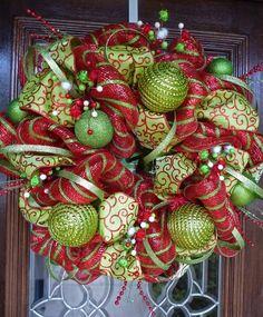 pinterest halloween mesh wreaths   wreath-green-glitter-strip-garland