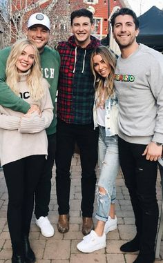 Colton Underwood's Weirdest Habit Is Pretty Hairy, According to Cassie Randolph - Viral Zed Celebrity Couples, Celebrity Gossip, Bachelor Couples, Colton Underwood, Kaitlyn Bristowe, Old Actress, Today Show, Reality Tv, Call Her