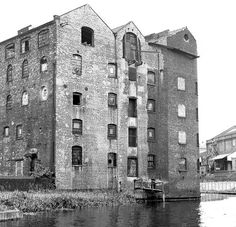 Birmingham Canal, Canal Barge, Tin Shed, Flour Mill, Industrial Architecture, Wolverhampton, Wolves, Past, Shops