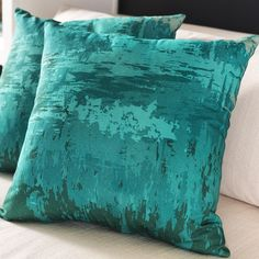 Accent pillows from Surya inspired by the color, stroke and texture of abstract paintings! (SY-042)