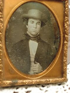 Davis & Co. Boston Daguerreotype Handsome Well-Dressed Young Man in Collectibles, Photographic Images, Vintage & Antique (Pre-1940), Daguerreotypes | eBay