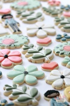 decorated tutorial wedding cookies video Wedding Decorated Cookies Video TutorialYou can find Flower cookies and more on our website Fancy Cookies, Iced Cookies, Cute Cookies, Easter Cookies, Royal Icing Cookies, Birthday Cookies, Cookies Et Biscuits, Christmas Cookies, Summer Cookies