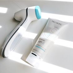 Experience brighter, softer, smoother skin and an energizing facial massage. Simply spend two minutes twice a day to enjoy healthier, youthful looking skin in as little as two weeks. Nu Skin, Skin So Soft, Smooth Skin, Nose Pores, How To Exfoliate Skin, Eye Makeup Remover, Facial Cleansing, Combination Skin, Cool Things To Buy