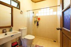ห้องน้ำตกแต่งสวย อิฐแก้วรับแสงสว่าง