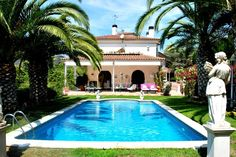 Magnificent house of with a plot area of in Cabrils, constructed and designed in a classical-style. Barcelona City, Property For Sale, Beautiful Homes, Coast, Construction, Entertaining, Beach, Outdoor Decor, Design