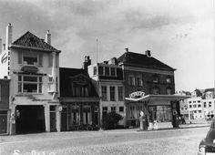 Groningen<br />De stad Groningen: Het Kattendiep noordzijde met vier panden vanaf de hoek met het Schuitendiep met de N.V. Groninger Automobiel Maatschappij ... woning George Martens (kunstschilder, nr. 40) en Caltex benzinepomp, 1951