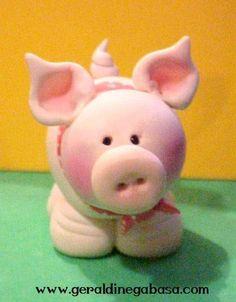 cutest little piggy cake