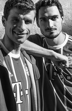 Soccer Fans, Soccer Players, Germany Football Team, Thomas Muller, Mats Hummels, Dfb Team, German Boys, Mr Perfect, Munich Germany