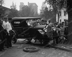 Car Accident Crash Into Pole 1926 Vintage 8x10 Reprint Of Old Photo