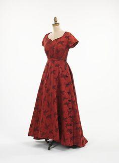 Evening Dress Elsa Schiaparelli, 1948 The Metropolitan Museum of...