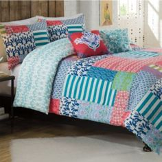 Lively and bright, this Vue reversible comforter set will make a stylish splash in your dorm room. #Kohls101