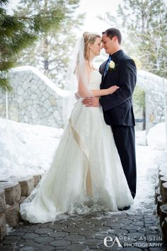 The Ridge Tahoe is the perfect place for a South Lake Tahoe winter wedding! #winterweddings #destinationwedding www.TahoeWeddingSites.com